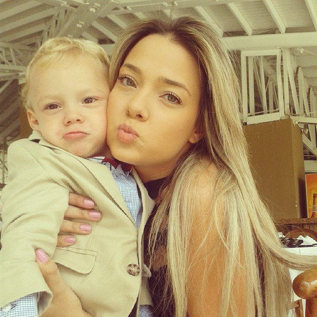 ... OF The ex-girlfriend of Brazilian star Neymar and mother of his child